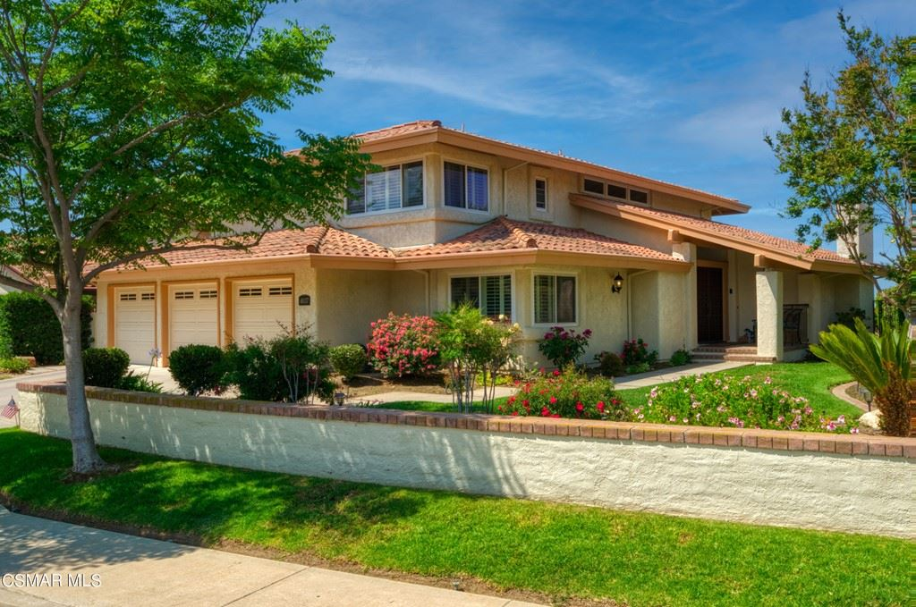 Photo of 4037 Calle Del Sol, Thousand Oaks, CA 91360 (MLS # 221003341)