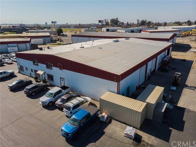 Photo of 5399 S Villa Avenue, Fresno, CA 93725 (MLS # FR21080341)