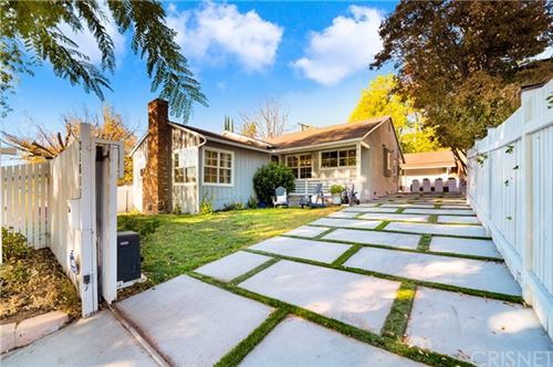 Photo of 21813 Dumetz Road, Woodland Hills, CA 91364 (MLS # SR20243343)