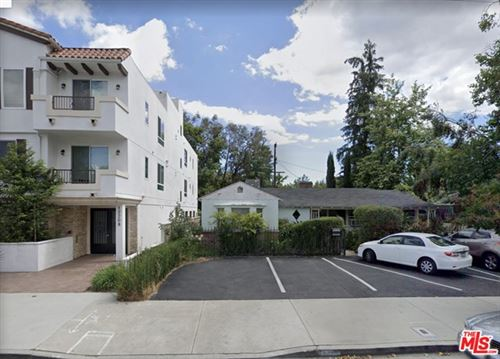 Photo of 12214 RIVERSIDE Drive, Valley Village, CA 91607 (MLS # 20595344)