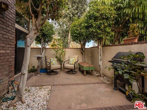 Photo of 18741 Hatteras Street #1, Tarzana, CA 91356 (MLS # 20673344)