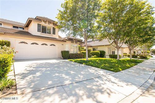 Photo of 5658 Vinca Street, Simi Valley, CA 93063 (MLS # 221003345)