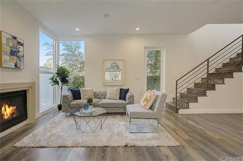 Photo of 9237 Wakefield Avenue #5, Panorama City, CA 91402 (MLS # SR21233345)