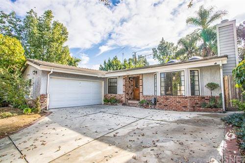 Photo of 22928 Avenue San Luis, Woodland Hills, CA 91364 (MLS # SR21003346)
