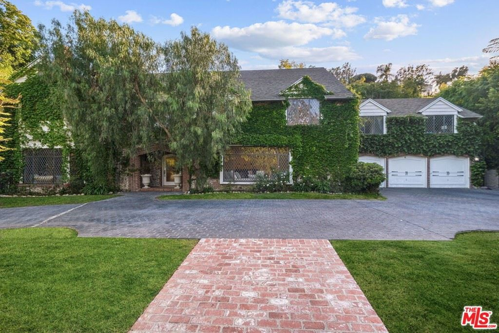 Photo of 1215 Benedict Canyon Drive, Beverly Hills, CA 90210 (MLS # 21752346)