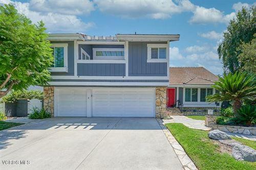 Photo of 3316 Montagne Way, Thousand Oaks, CA 91362 (MLS # 220008347)