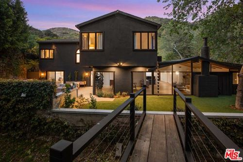 Photo of 2969 MANDEVILLE CANYON Road, Los Angeles, CA 90049 (MLS # 20573348)