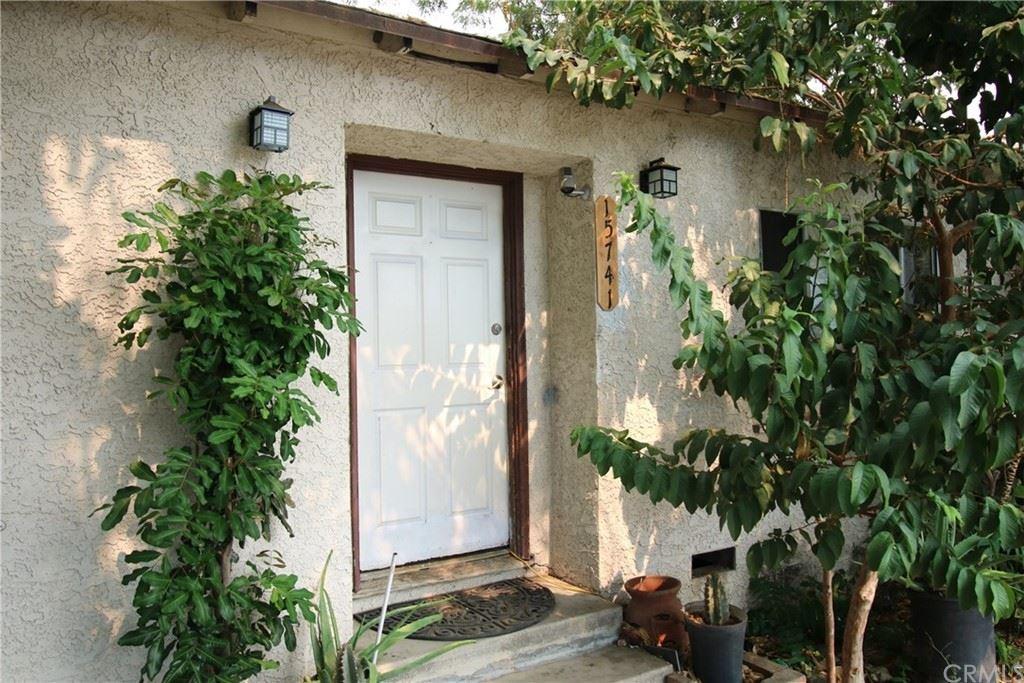 Photo of 15741 Wyandotte Street, Van Nuys, CA 91406 (MLS # SB21211348)