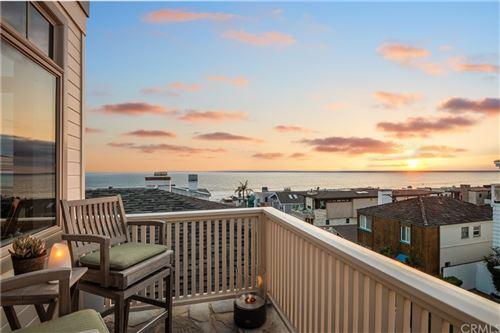 Photo of 220 20th Street, Manhattan Beach, CA 90266 (MLS # SB21112349)