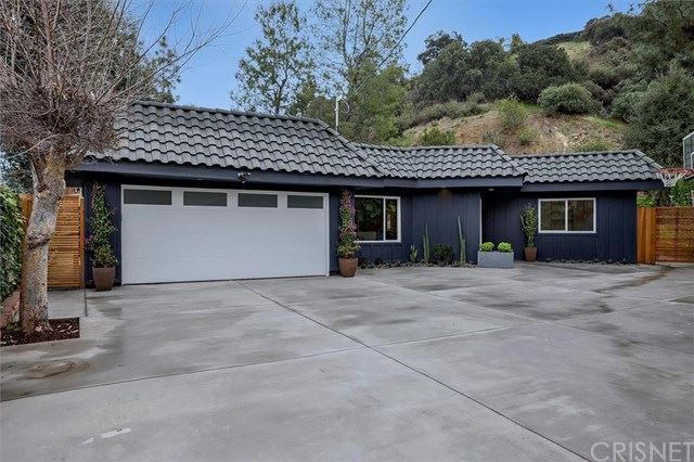 Photo of 16910 Escalon Drive, Encino, CA 91436 (MLS # SR21028349)