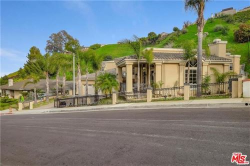 Photo of 3966 S Cloverdale Avenue, Los Angeles, CA 90008 (MLS # 21693350)