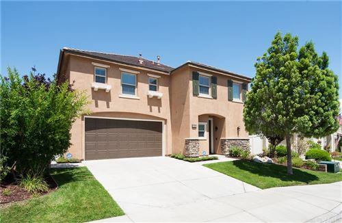 Photo of 17157 Monterey Pines Lane, Canyon Country, CA 91387 (MLS # DW21160351)