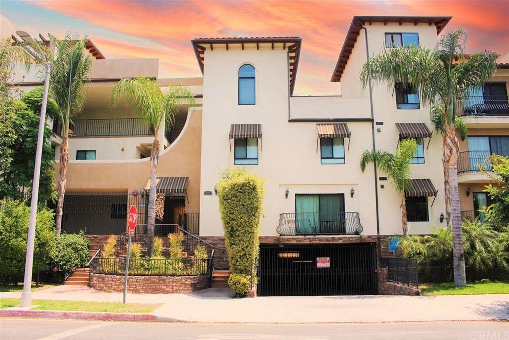 Photo of 5264 Satsuma Avenue #5, North Hollywood, CA 91601 (MLS # BB21152351)