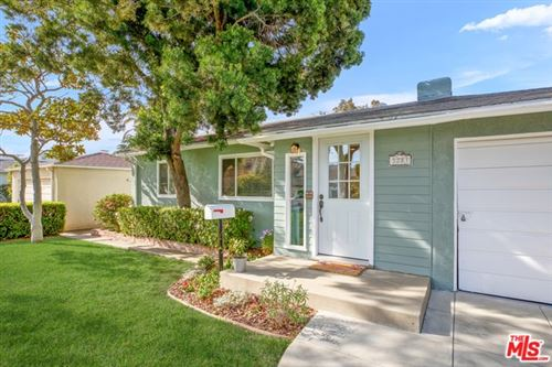 Photo of 3281 MILITARY Avenue, Los Angeles, CA 90034 (MLS # 20560352)