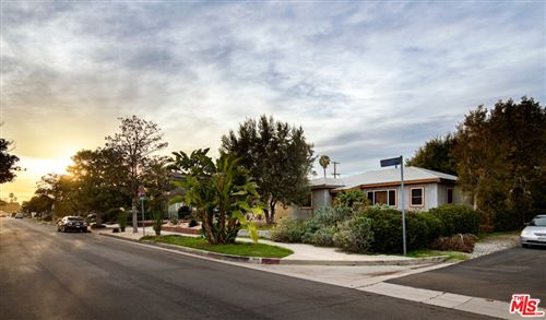 Photo of 865 Flower Avenue, Venice, CA 90291 (MLS # 21691352)