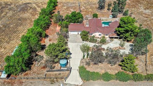 Photo of 35643 Bass Rock Road, Agua Dulce, CA 91390 (MLS # SR21161352)