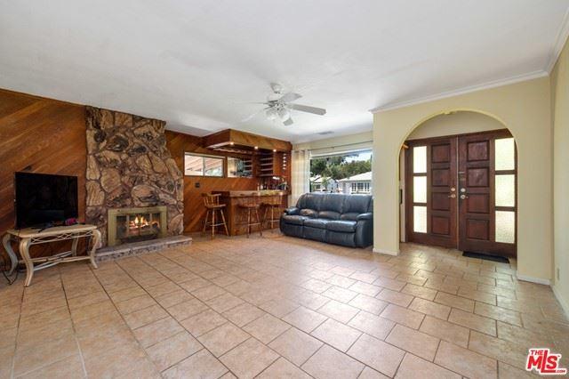 Photo of 5626 Cantaloupe Avenue, Van Nuys, CA 91401 (MLS # 21744352)