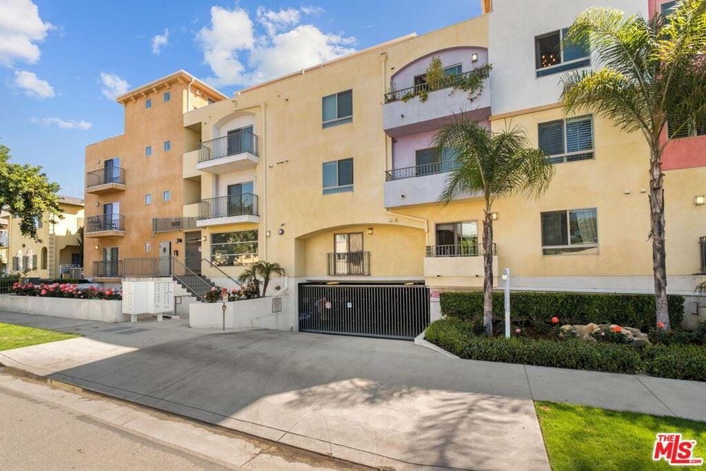 Photo of 5232 Satsuma Avenue #305, North Hollywood, CA 91601 (MLS # 21794352)