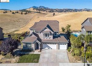 Photo of 2789 St Andrews Dr, Brentwood, CA 94513 (MLS # 40887355)