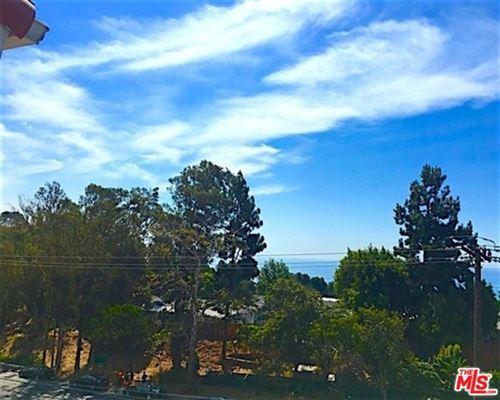 Photo of 28296 REY DE COPAS Lane, Malibu, CA 90265 (MLS # 21675356)