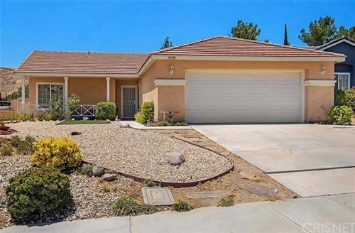 Photo of 30309 Sunrose Place, Canyon Country, CA 91387 (MLS # SR20152356)