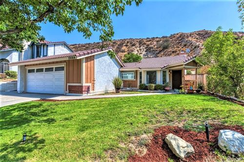 Photo of 29164 Poppy Meadow Street, Canyon Country, CA 91387 (MLS # SR21208356)