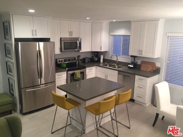 Photo of 964 Larrabee Street #108, West Hollywood, CA 90069 (MLS # 20613356)
