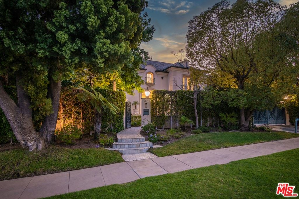 Photo of 701 N Hillcrest Road, Beverly Hills, CA 90210 (MLS # 21762356)