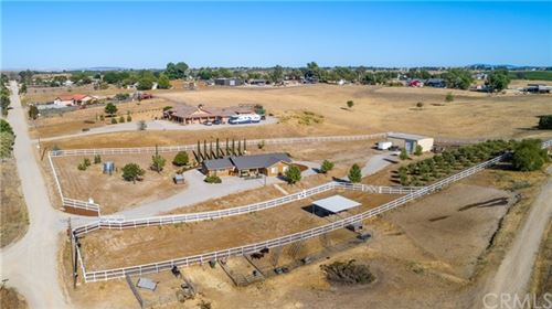 Photo of 8110 Settlers Place, Paso Robles, CA 93446 (MLS # NS21129357)