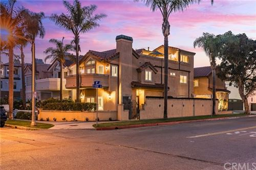 Photo of 327 8th Street, Huntington Beach, CA 92648 (MLS # OC20200357)