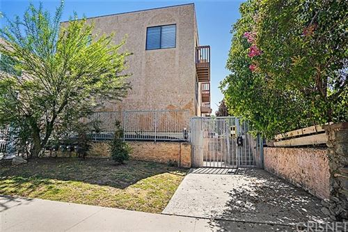 Photo of 6908 Remmet Avenue #10, Canoga Park, CA 91303 (MLS # SR20110358)