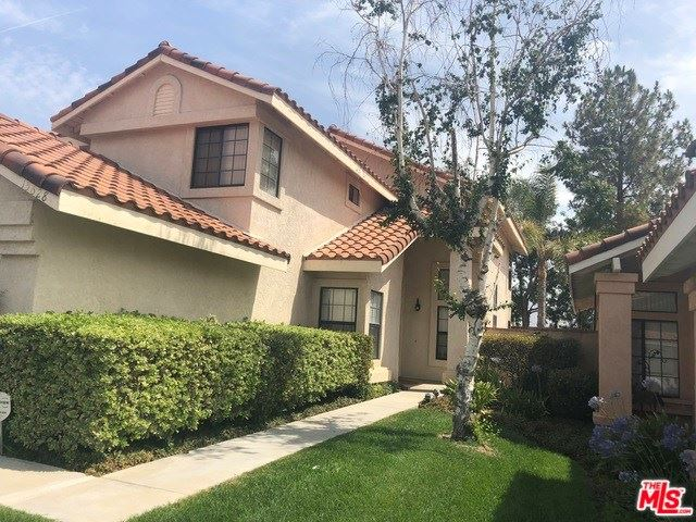 Photo for 15628 BURT Court, Canyon Country, CA 91387 (MLS # 19458358)