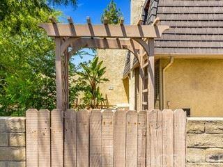 Photo of 2891 Moonflower Circle, Thousand Oaks, CA 91360 (MLS # SR21105358)