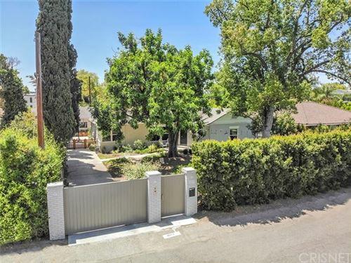 Photo of 4817 Morella Avenue, Valley Village, CA 91607 (MLS # SR20117359)