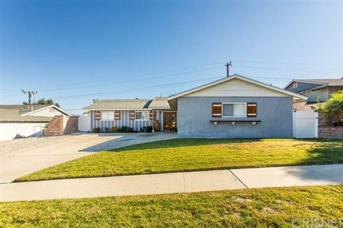 Photo of 840 Moffatt Circle, Simi Valley, CA 93065 (MLS # SR20240359)