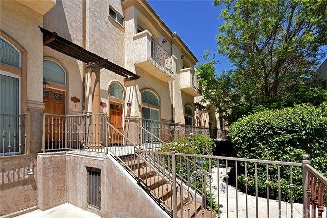 8840 Darby Avenue #11, Northridge, CA 91325 - MLS#: SR20132359