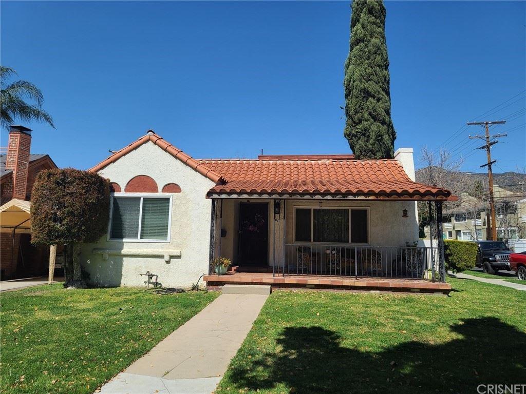 Photo of 701 Palm Drive, Glendale, CA 91202 (MLS # SR21068360)