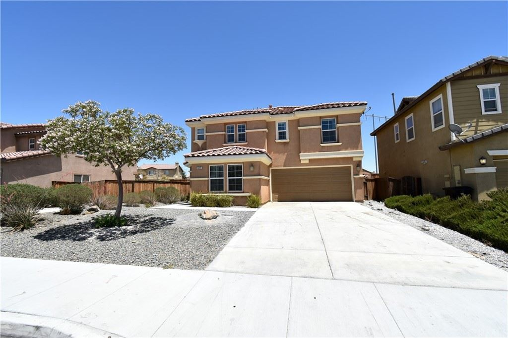 Photo of 17035 Jurassic Place, Victorville, CA 92394 (MLS # IV21213362)