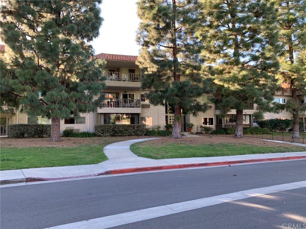 2402 Via Mariposa W #3D, Laguna Woods, CA 92637 - MLS#: OC21157362