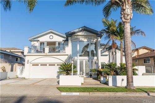 Photo of 16972 Bedford Lane, Huntington Beach, CA 92649 (MLS # BB21211363)