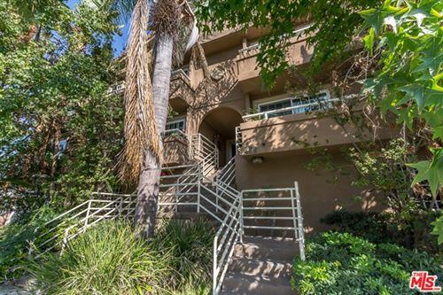 Photo of 436 N Oxford Avenue #203, Los Angeles, CA 90004 (MLS # 20650364)