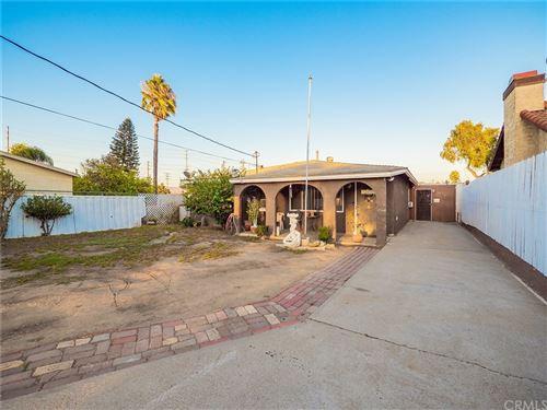 Photo of 163 N Vicentia Avenue, Corona, CA 92882 (MLS # IG21207364)
