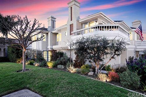 Photo of 2463 Irvine Ave, Costa Mesa, CA 92627 (MLS # OC21032364)