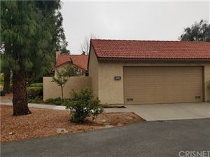 Photo of 20083 Avenue Of The Oaks #19, Newhall, CA 91321 (MLS # SR19135364)
