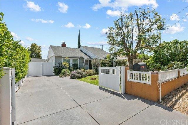 Photo of 15242 Wyandotte Street, Van Nuys, CA 91405 (MLS # SR21078364)