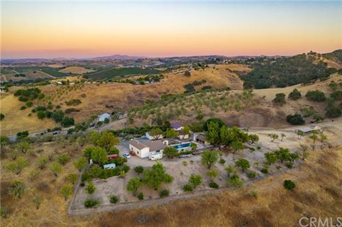 Photo of 635 Long Beach Road, Templeton, CA 93465 (MLS # NS20139365)