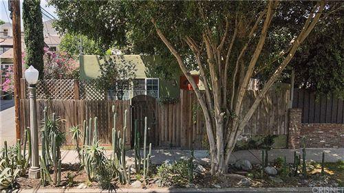 Photo of 12063 Woodbridge Street, Studio City, CA 91604 (MLS # SR21152366)