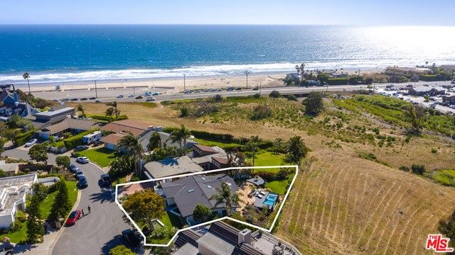 Photo of 6409 SURFSIDE Way, Malibu, CA 90265 (MLS # 20582366)