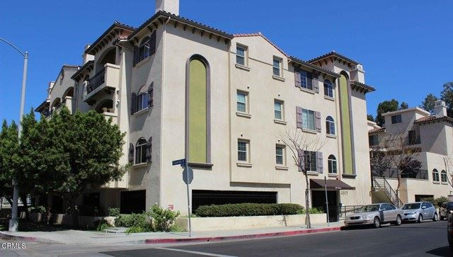 Photo for 4805 Bellflower Avenue #206, North Hollywood, CA 91601 (MLS # P1-3367)