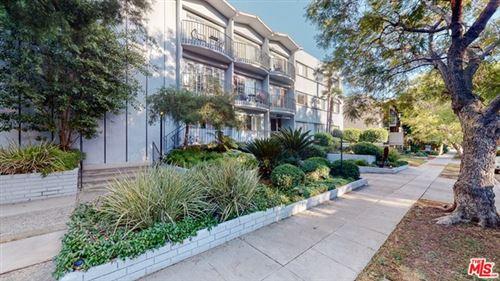 Photo of 1632 Camden Avenue #302, Los Angeles, CA 90025 (MLS # 21678368)